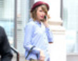 Taylor Swift Dons Short Shorts In New York City