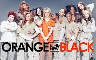 Orange is the new black season 2 opens with out-of-mind Piper Chapman aka Taylor Schilling [video]